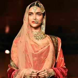 Do you know how much Deepika's jewellery in Bajirao Mastani costs?