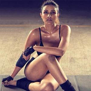 PIX: Parineeti's smoking HOT photoshoot