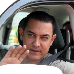 PIX: Karan Johar, Kapoors, Hirani party with Aamir Khan