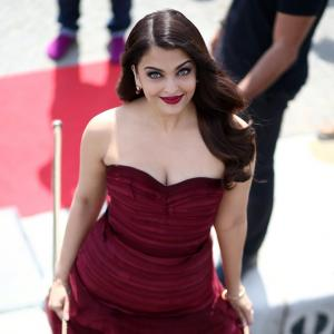 Cannes 2015: Aishwarya is killing it in red!