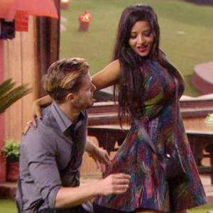 Bigg Boss 10: Jason and Mona sizzle