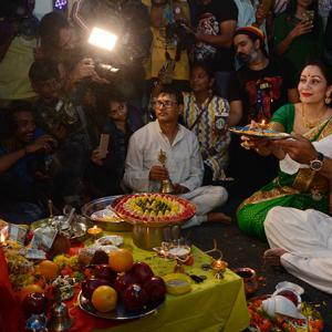 PIX: Bhoomi team seeks blessings from Lord Ganesha