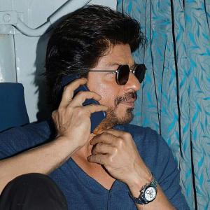 SRK travels by train today to promote Raees