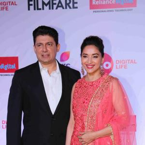 PIX: Madhuri, Deepika mingle at an awards ceremony
