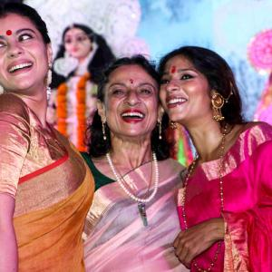 Kajol, Tanuja, Tanishaa get into the festive mood