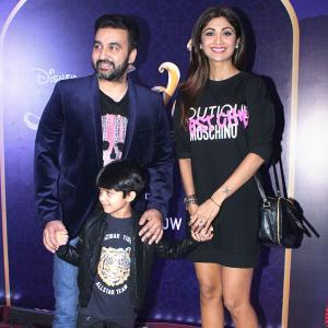 Shilpa, Ayushmann take their kids for Aladdin