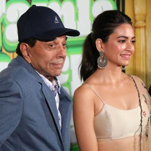 Watch! You'll fall in love with Dharmendra, yet again