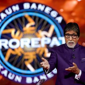 Aww! Amitabh is embarrassed