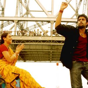 How the Howrah Bridge played out in Bollywood