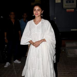 Alia, Varun watch Kalank with Janhvi, Ananya, Kriti