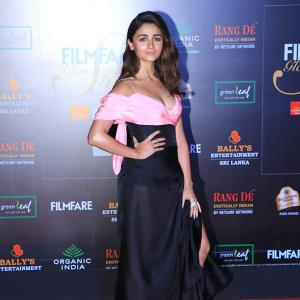 PIX: Alia, Anushka GLAM UP for awards night
