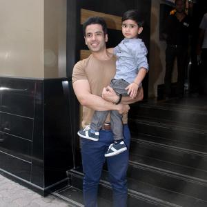 PIX: Inaaya, Yash, Roohi party with Laksshya