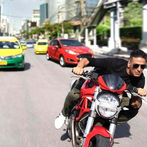 Pix: Akshay's daredevil stunts for Sooryavanshi!