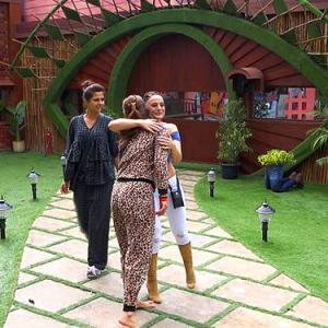 Bigg Boss 13 Day 1: Ameesha gives out black hearts!