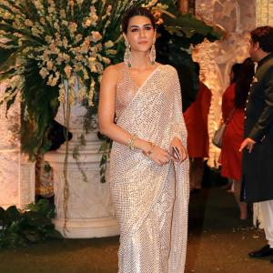 PIX: Kriti Sanon parties with Kajol, Rekha