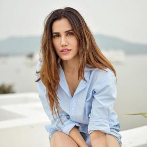 Actress Sonnalli Seygall's 5 health tips