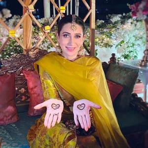 PIX: Like the mehendi designs on Karisma's hands?
