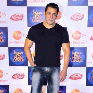 Salman walks the red carpet