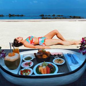 PIX: Sara's bikini vacation in the Maldives