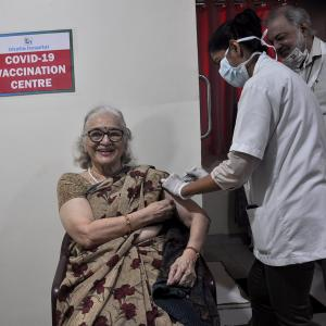 Asha Parekh, 78, takes the COVID vaccine