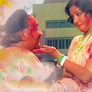 HOLI: 7 songs you must listen to!