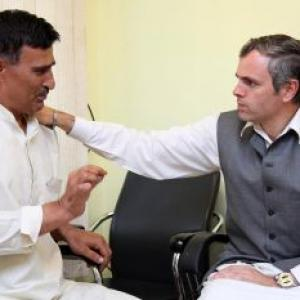 Image: Omar Abdullah pardons shoe-thrower