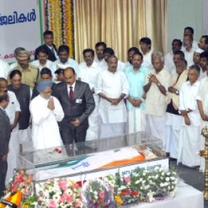 PM pays his last respects to Karunakaran