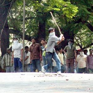 IMAGES: Telangana bandh cripples normal life