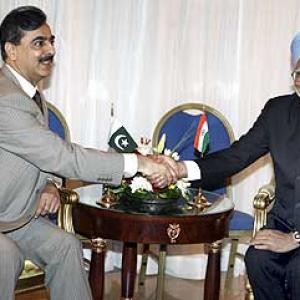 Dialogue, not war, the solution to Indo-Pak row: Gilani