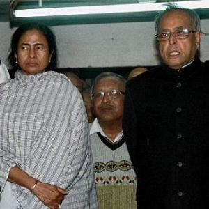 Mamata born rebel, has an aura impossible to ignore, says Pranab