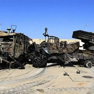 Aliied forces target Gaddafi's ground forces