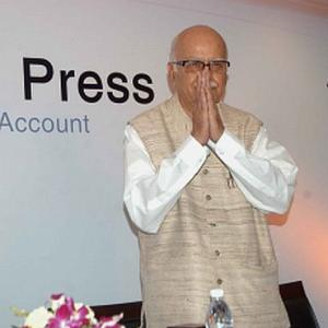 Gilani welcome for match, not dialogue: Advani
