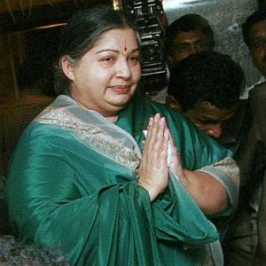 Article in SL defence website: Parties unite to back Jayalalithaa