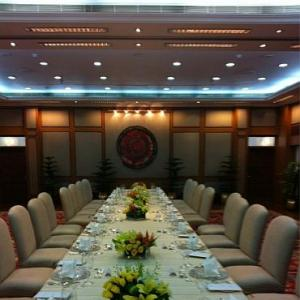 PHOTO: Table's set for Singh-Zardari luncheon