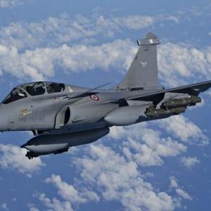 MIG-21 crashes in South Kashmir; pilot killed
