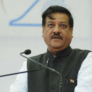 Congress CMs in CRISIS: Chavan, Reddy, Chandy and more