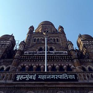 Amid BJP-Sena row, tax raids on BMC contractors