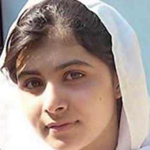 Pak: 14-yr-old girl who took on Taliban in blog attacked