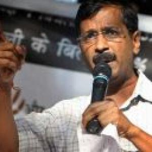Kejriwal released, insists on Khurshid's resignation