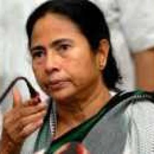 Mamata ignored advice, say cops; I'm not VIP, she retorts