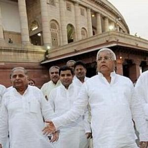 Mulayam on Lalu: 'Some are licking the feet of Congress leaders'