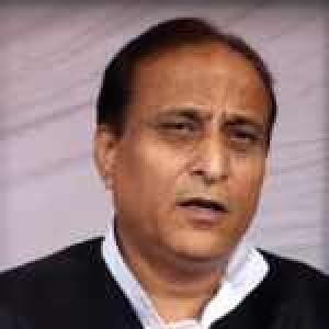 Allahabad stampede: Kumbh Mela in-charge Azam Khan quits
