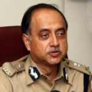 Delhi rape: Police chief quizzed again by Parl panel