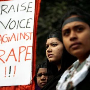 3 cops suspended, 2 nabbed in UP girls' gang rape case