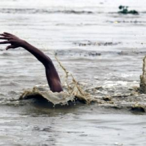 35 corpses found adrift in the Ganga; probe ordered