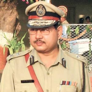 Ishrat case: Absconding cop arrives in court on stretcher