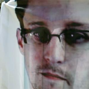 HK allows US whistleblower Edward Snowden to flee