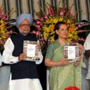 Sonia, PM attack BJP for disrupting Parliament