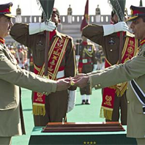 Pakistan army chief Kayani passes on the baton to General Sharif