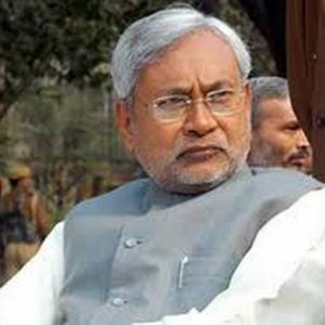Nitish's shocker: Bihar to be dry state from April 2016